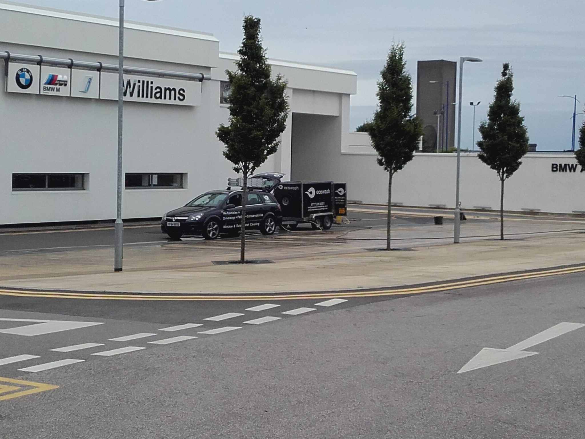 20160706_130524 Williams BMW Liverpool - Forecourt Cleaning